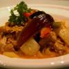 Kaeng Phet Kai - wokad kyckling med röd curry