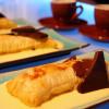Smördegsinbakad nougat med hemgjord vaniljsås