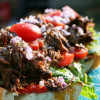 Pulled beef på grillat franskbröd med chimichurri