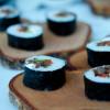 Renmaki med lingonsriracha - sushi på norrländska