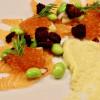 Sashimi av salmalax med edamame, citronette, savoypuré, krutonger, forellrom och dill