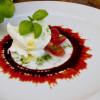 San Marzano, buffelmozzarella, reducerad balsamico och ramslökspulver