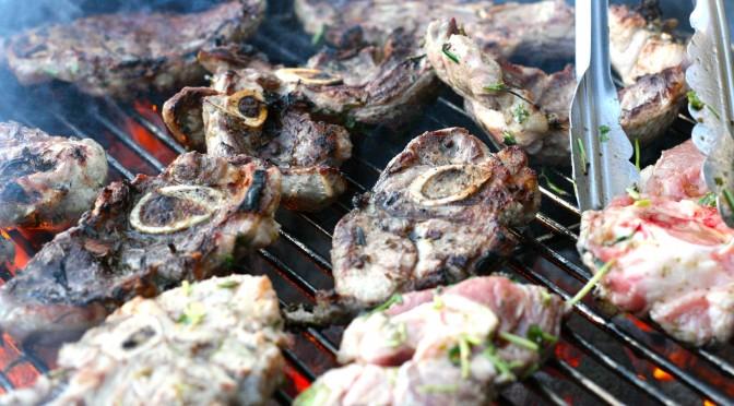 Grillad lammbog med chèvrekräm, citron och rosmarin
