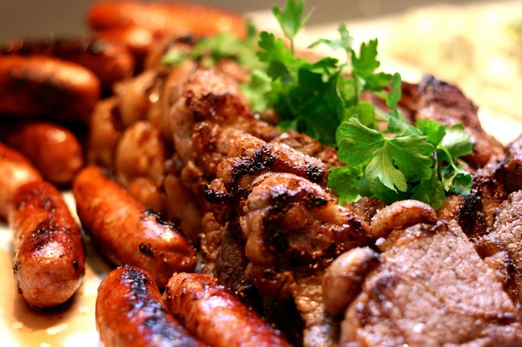 potatissallad och dess tillbehör