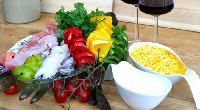 Grillade fiskspett och tvåtal i aioli – midsommarmat