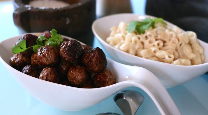 Köttbullar med mjölkstuvade makaroner – mat efter väder