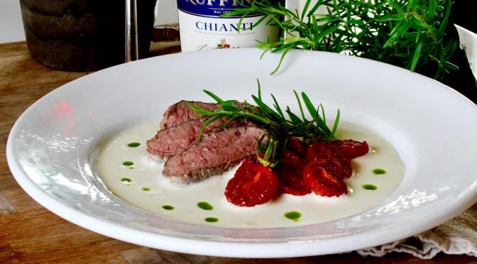 Lammrostbiff med skumsås på chèvre och varsamt rostade tomater
